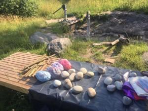 Speelcafe Outside juni 2019 stenen en stokjes
